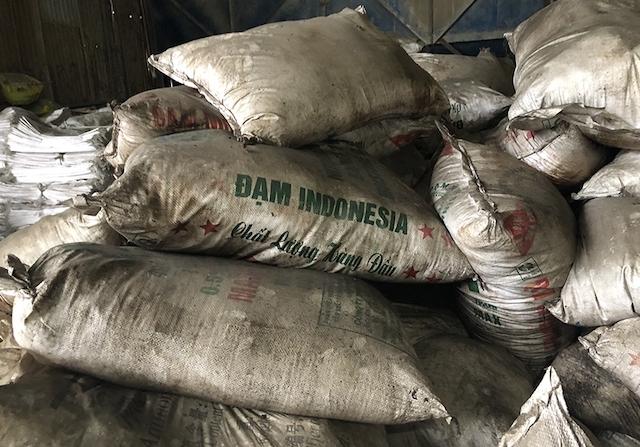 Khởi tố vụ án sản xuất, buôn bán phân bón giả tại Đồng Nai.