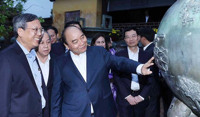 Thủ tướng Nguyễn Xuân Phúc thăm quần thể Di tích Cố đô Huế.