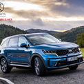 """<p class=""""Normal""""> <strong>Best Large SUV (SUV cỡ lớn tốt nhất): Kia Sorento</strong></p> <p class=""""Normal""""> Kia Sorento 2021 """"lột xác"""" so với phiên bản trước, thay đổi hoàn toàn về nội thất và ngoại thất. Xe cũng được trang bị nhiều công nghệ an toàn mới, hiện đại.</p>"""