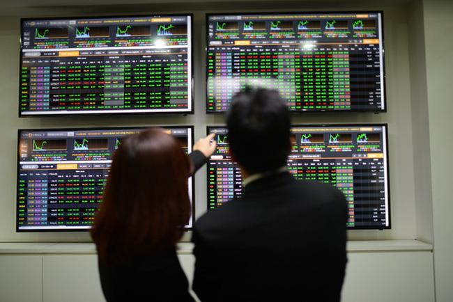 HNX thử nghiệm tạo bảng giao dịch mới cho cổ phiếu của HSX