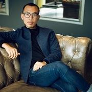 Chàng trai Việt hợp tác với Vogue, Harper's Bazaar ở Mỹ