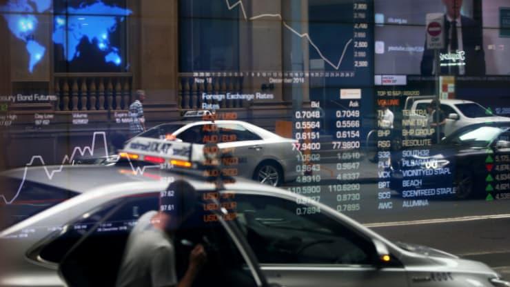 Chứng khoán châu Á hầu hết giảm sau phiên giao dịch biến động của Phố Wall