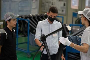 Forbes: Xe đạp điện sản xuất tại Việt Nam với tham vọng... thay thế ôtô