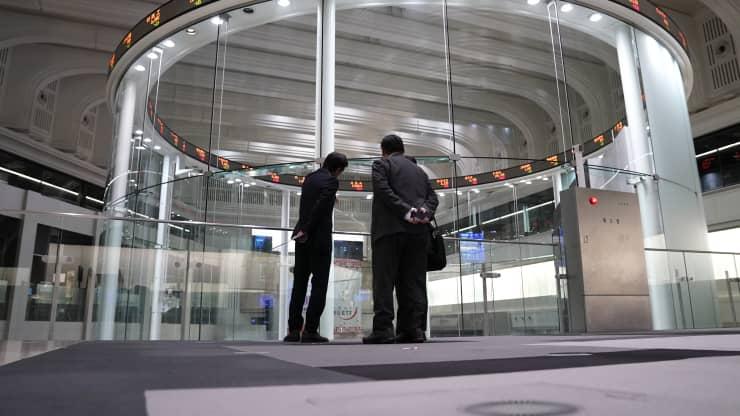 Nhà đầu tư quay lại với tài sản rủi ro, chứng khoán châu Á trái chiều