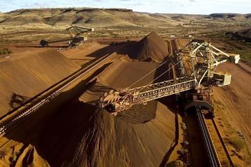 Trung Quốc hạn chế sản lượng thép, giá quặng sắt chạm đáy 2 tuần