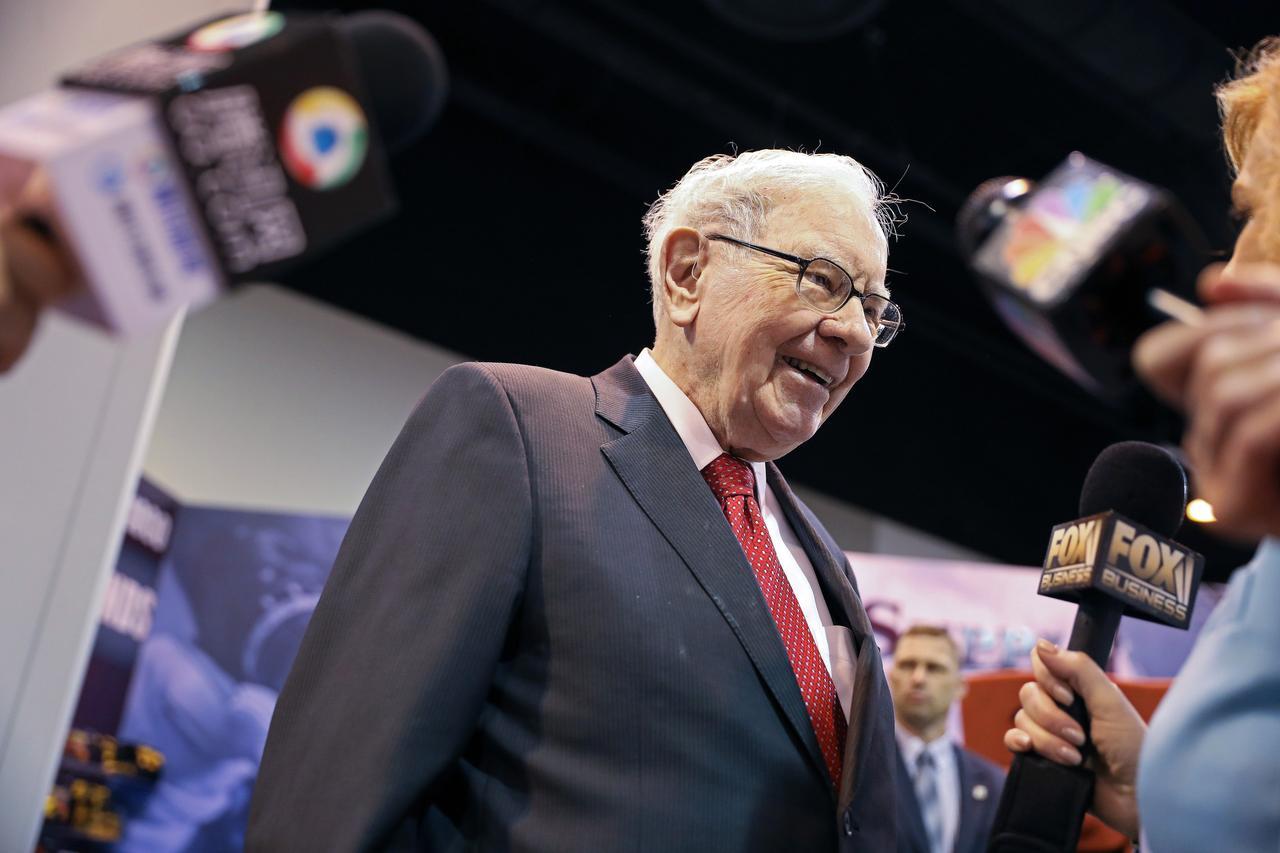 Những tỷ phú sở hữu tài sản từ 100 tỷ USD làm giàu như thế nào?