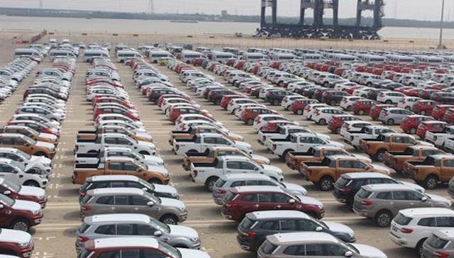 Lượng xe nhập khẩu vào Việt Nam giảm mạnh trong 2 tháng đầu năm 2021.
