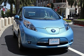 Vì sao các hãng ôtô Nhật chần chừ với xe điện
