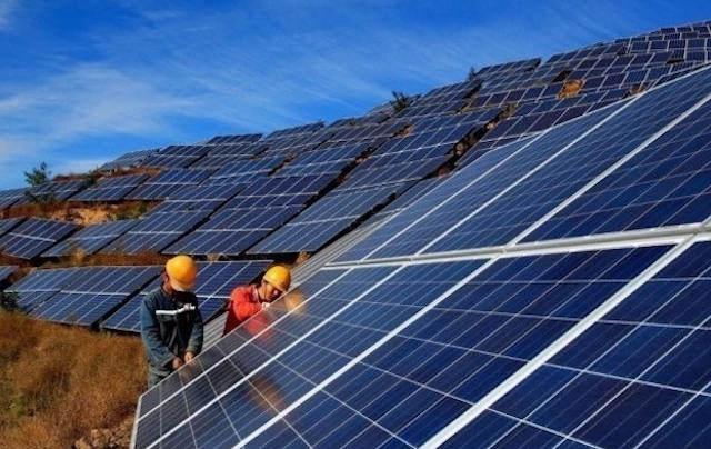 Giá điện mặt trời áp mái có thể giảm 30%