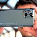 <p> Ngày 11/3, Oppo đã trình làng mẫu Find X3 tại thị trường Trung Quốc, giá từ 4.499 NDT (khoảng 692 USD). Sản phẩm này có thể Việt Nam trong quý II. So với phiên bản trước, Find X3 có sự thay đổi về kiểu dáng. Phần cụm camera sau của máy được làm liền mạch với mặt lưng. Oppo cho biết hãng đã dùng tấm kính cường lực và ép vào khuôn với nhiệt độ cao để tạo thành hệ thống camera lồi. Cách thiết kế này mang đến nét đặc trưng riêng cho sản phẩm. Ảnh: <em>GSMArena.</em></p>