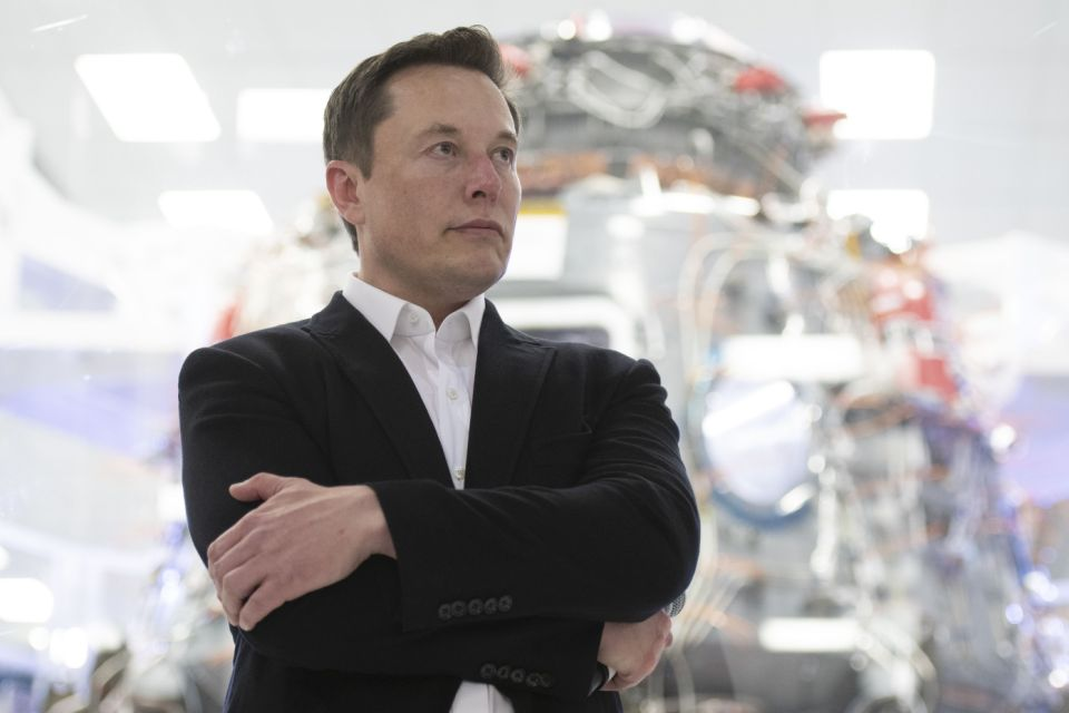 Elon Musk bị cổ đông Tesla kiện