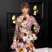 Trang phục của các ngôi sao tại lễ trao giải Grammy 2021