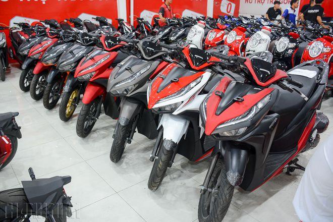 Xe máy tại Việt Nam đua ưu đãi, nhiều mẫu xe bán dưới giá niêm yết