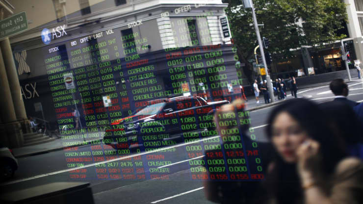 Chứng khoán châu Á trái chiều, nhà đầu tư thận trọng trước kỳ họp của Fed