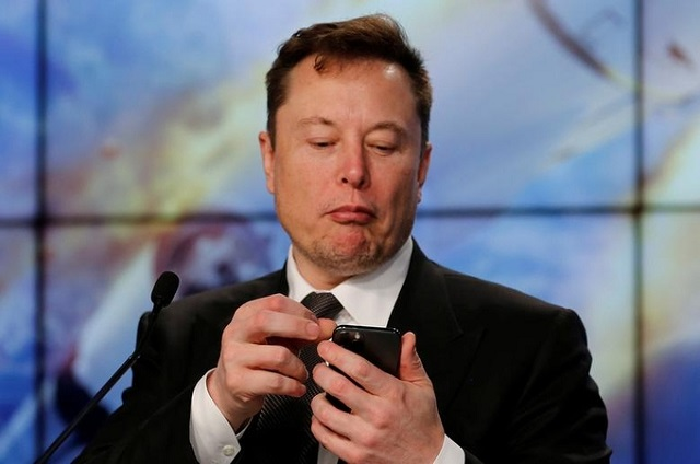 Elon Musk tự phong là 'vua công nghệ'