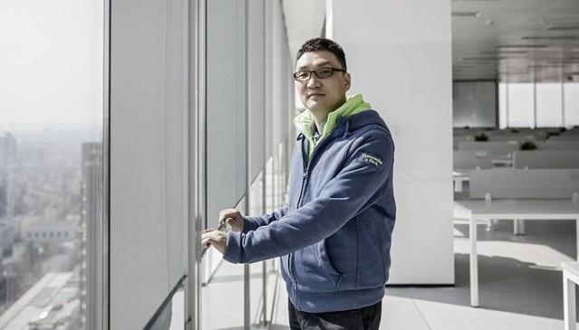 Vừa đưa công ty vượt qua Alibaba, đối thủ của Jack Ma từ chức chủ tịch