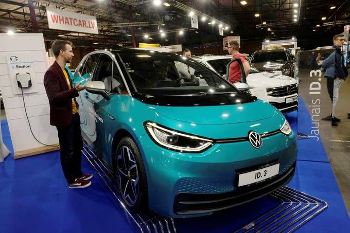 Volkswagen có thể soán ngôi vương xe điện của Tesla