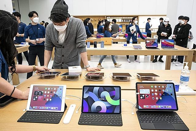 iPad bày bán trong cửa hàng Apple Store Hàn Quốc. (Ảnh: Bloomberg)