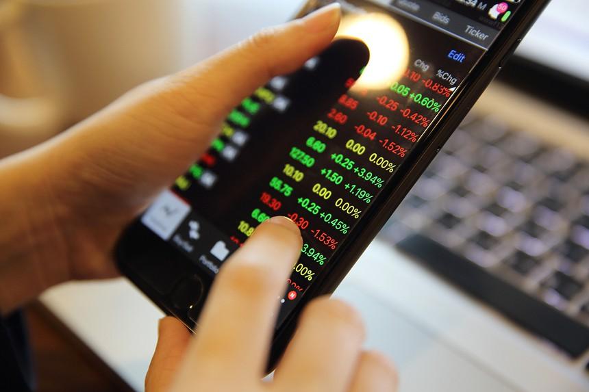 HoSE tạo điều kiện tối đa để doanh nghiệp chuyển giao dịch tạm thời