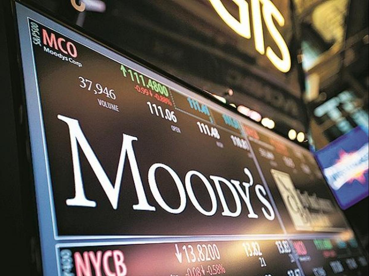 Moody's nâng triển vọng 15 ngân hàng Việt Nam