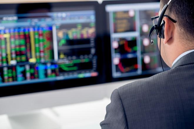 Tự doanh CTCK bán ròng trở lại 75 tỷ đồng trong tuần 15-19/3, tập trung gom cổ phiếu ngân hàng