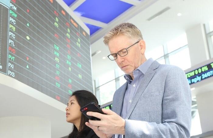 Khối ngoại đẩy mạnh bán ròng hơn 1.100 tỷ đồng trong phiên 2 quỹ ETF ngoại cơ cấu