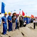 """<p class=""""Normal""""> Dự án đầu tư khai thác và tuyển quặng mỏ sắt Thạch Khê do Công ty cổ phần Sắt Thạch Khê (TIC) làm chủ đầu tư được triển khai từ năm 2008, tổng vốn đầu tư khoảng 14.500 tỷ đồng, vòng đời khai thác hơn 50 năm.</p> <p class=""""Normal""""> Lễ khởi công dự án được tỉnh Hà Tĩnh tổ chức vào tháng 9/2009. Nhà chức trách kỳ vọng dự án sẽ giúp giải quyết việc làm cho hàng nghìn lao động địa phương, đáp ứng được nhu cầu tinh quặng sắt chất lượng cao và giá rẻ cho ngành luyện kim trong nước…</p>"""