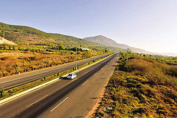 'Đặt cược' vào cao tốc Tân Phú - Bảo Lộc