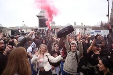 Hơn 123 triệu ca Covid-19 toàn cầu, dân châu Âu biểu tình phản đối phong tỏa