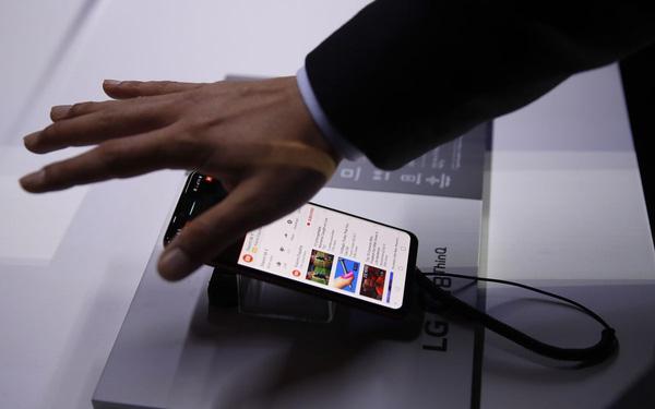 Đàm phán bán mình cho Vingroup thất bại, LG tính đóng luôn mảng điện thoại di động