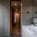 <p> Với khu vực phòng tắm hiện đại.</p>