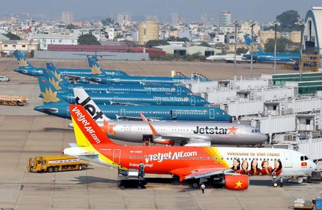 Bị lỗ ngay trong mùa cao điểm, hàng không Việt Nam tiếp tục kêu cứu