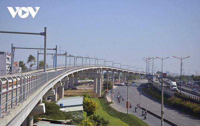 tuyen-metro-1-doc-theo-xa-lo-h-6399-4337
