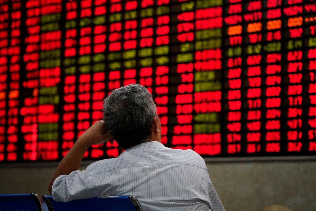 Chứng khoán Hong Kong bị bán tháo, vào vùng điều chỉnh