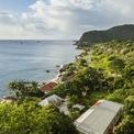 """<p class=""""Normal""""> <strong>Saba và St Eustatius, Hà Lan</strong></p> <p class=""""Normal""""> Những hòn đảo ở vùng biển Caribe đón hơn 30 triệu khách quốc tế một năm dù chưa tính khách đi du thuyền, nhưng với Saba và St Eustatius thì số khách quá ít ỏi khi mỗi đảo đón dưới 10.000 lượt/năm. Đến Caribe phần lớn du khách chọn dừng chân ở Aruba, Curacao và St Martin nhưng ít ai ít biết rằng còn có Saba và St Eustatius cũng gần đó.</p> <p class=""""Normal""""> Ở đảo Saba, du khách có cơ hội nghỉ dưỡng tại núi Queen's Garden - từng được TripAdvisor 2020 chọn trong top resort tốt nhất. Nếu dừng ở St Eustatius thì du khách có thể thuê các căn hộ riêng trên Airbnb, tận hưởng biển xanh cát trắng và một không gian tĩnh lặng.<span>(Ảnh:</span><em>Getty Images</em><span>)</span></p>"""