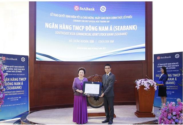 Phó Chủ tịch SeABank tại buổi chào sàn ngày 24/3. Ảnh: SeABank.