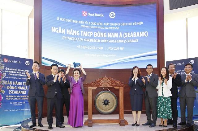 Vốn hóa SeABank vượt 1 tỷ USD sau phiên chào sàn