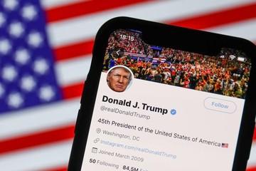 Rộ tin đồn ông Donald Trump mua lại ứng dụng mạng xã hội vô danh