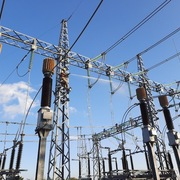 Tìm hướng giải tỏa áp lực lưới điện truyền tải