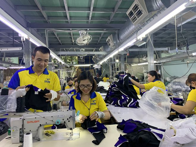 Xuất khẩu dệt may tuột dốc, giảm 200 triệu USD