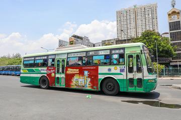 20 năm 'lận đận' quảng cáo trên xe buýt ở TP HCM