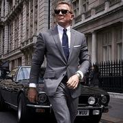 Được trả 1.000 USD để xem 24 phần phim James Bond trong 30 ngày