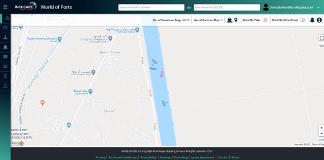 Tàu Ever Given (màu đỏ) đã không còn chắn ngang kênh đào Suez. Ảnh: Twitter/@Inchcape_SS