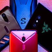 Điện thoại chơi game 'sống mòn' trên mảnh đất màu mỡ