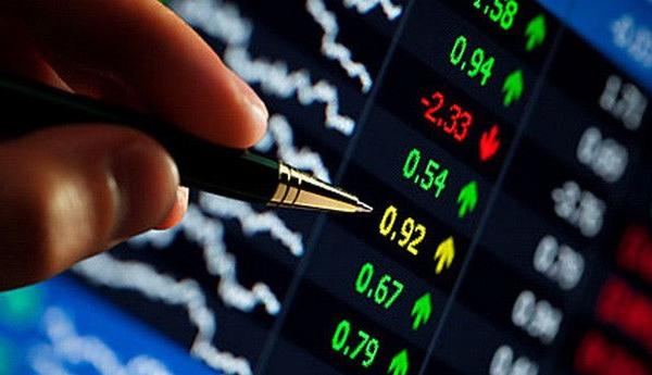 Cổ phiếu ngân hàng bứt phá, VN-Index tăng hơn 13 điểm