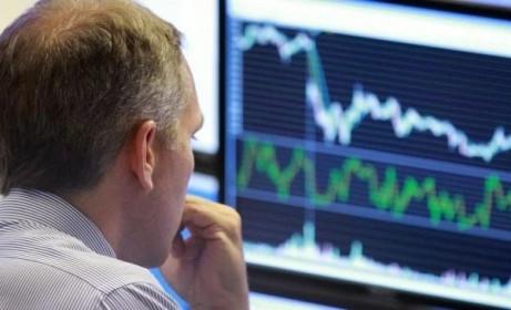 Khối ngoại đẩy mạnh bán ròng hơn 290 tỷ đồng trên HoSE, tập trung gom VIC