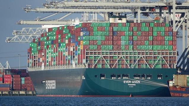 Kích thước những con tàu vận tải ngày càng lớn. Ảnh: AP.