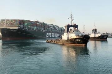 Thương mại toàn cầu vẫn có nguy cơ 'hỗn loạn, gián đoạn' dù Suez được giải tỏa