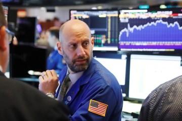 Lợi suất trái phiếu chính phủ Mỹ chạm đỉnh 14 tháng, Phố Wall giảm điểm