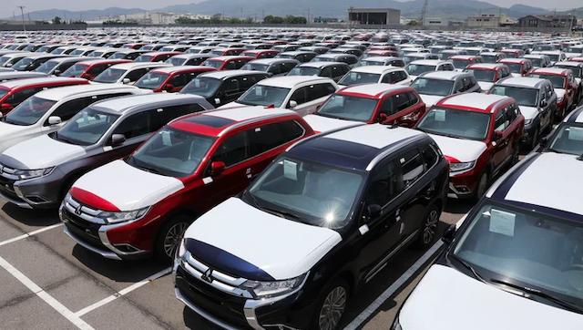 Nhập khẩu ôtô bất ngờ tăng vọt trong tháng 3.
